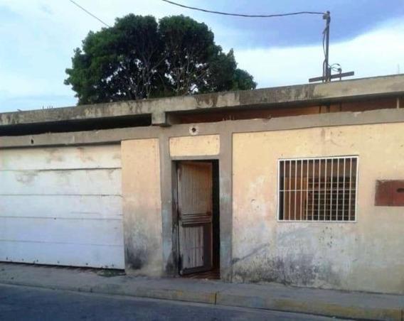 Casa En Venta Centro Oeste De Barquisimeto #20-2542 As