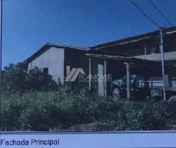 Rua Dezesseis, Parque São João, Almenara - 256035