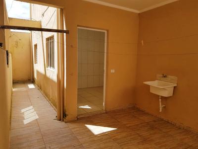 Casa Para Alugar - 2 Cômodos - Jardim Novo Embu - Embu Das Artes - 282 - 33921565