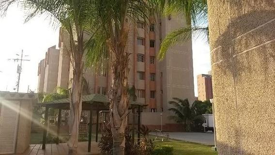 Apartamento En Alquiler Bella Vista Maracaibo Mls #20-12587