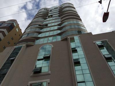 Apartamento Em Ótima Localização Na Meia Praia. - 1220