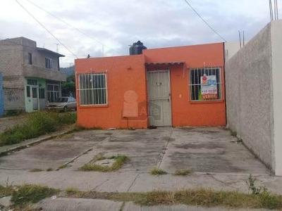 Casa Sola En Venta En Villas De La Cantera, Tepic, Nayarit