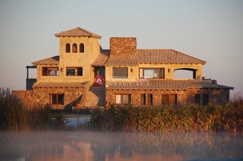 Alquiler Anual Preciosa Vista A La Laguna Y La Reserva Natural- Ref: 6544