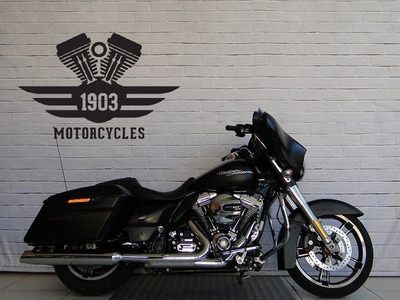 Harley Davidson Touring Street Glide - Q0202