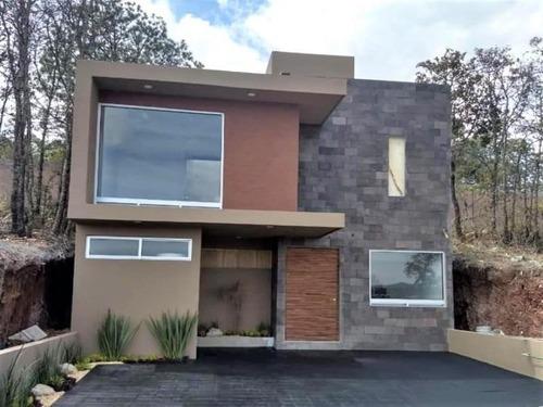 Casa Sola En Venta Fracc. Vistas Altozano