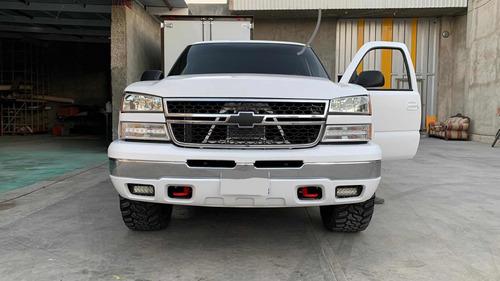 Imagen 1 de 7 de Chevrolet Silverado 2006 5.3 G Pickup Silverado 2500 Aa At