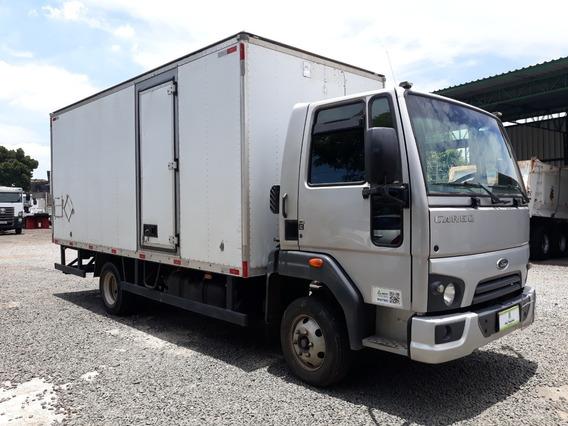 Ford Cargo - 816s - 2015 - 4x2 - Baú Carga Seca 5,50