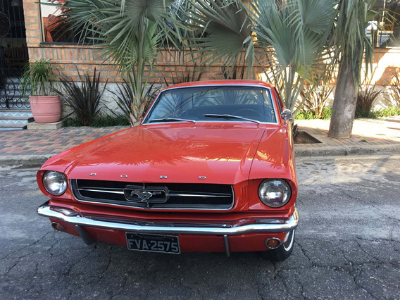Ford Mustang Hard Top V8 Cambio Manual