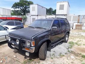 Nissan Pathfinder 1993 V-6... 4x4.aut.