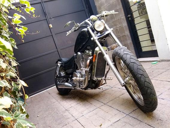 Suzuki Intruder 700