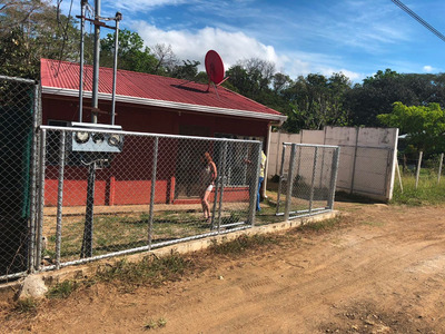 Se Vende Terreno Con 2 Casas En Nicoya Centro