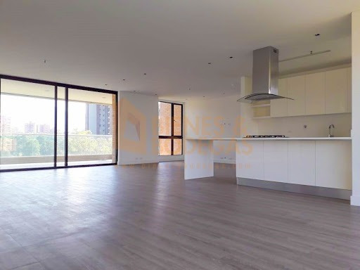 Apartamento En Venta Poblado 643-3097