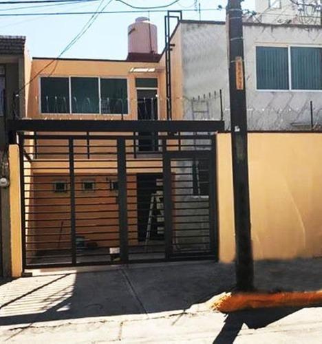 Casa En Renta En Ciudad Satélite, Naucalpan, México