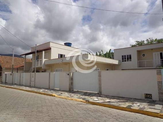 Ampla Casa Com Renda Garantida Em Itapema - 646