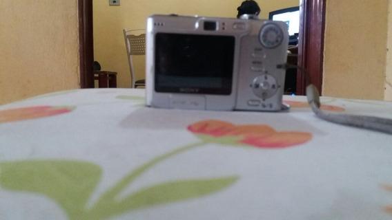 Camera Fotográfica Sony Cyber Shot W35 7,2 Megapixels