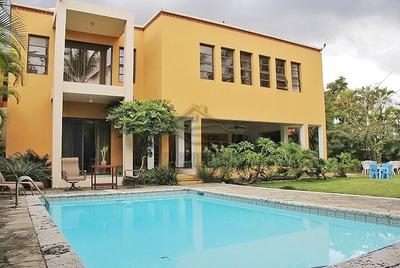 Casa Con 3 Niveles 4 Habitaciones En Arroyo Hondo Viejo