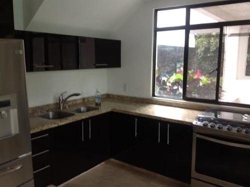 Se Vende Casa Con Alberca En El Fraccionamiento Lomas De Cuernavaca