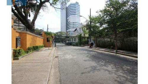 Imagem 1 de 15 de Pacaembu     Casa Com Segurança 24 Horas.  - Pc93050