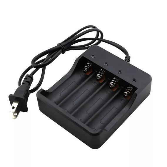 Carregador Para 4 Baterias 18650 Recarregáveis