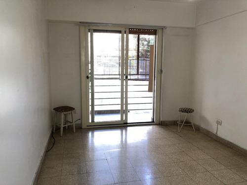 Imagen 1 de 12 de 3 Ambientes Al Frente C/balcón & Lavadero Indep - Balvanera, Capital Federal.