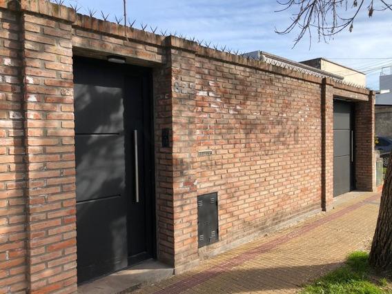 4 Y 524. Casa En Alquiler De Tres Dormitorios, Tolosa