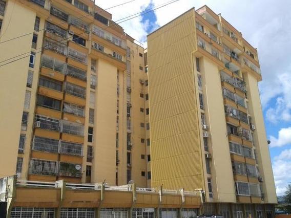 Apartamentos En Venta En Centro Cabudare Lara 20-18820
