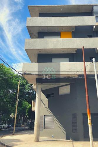 Monoambiente Con Terraza Exclusiva En Venta, Zona Facultades