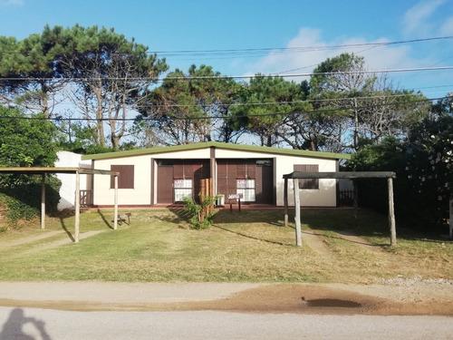 Ellas Y Maru Casas Para 4 Pers La Balconada