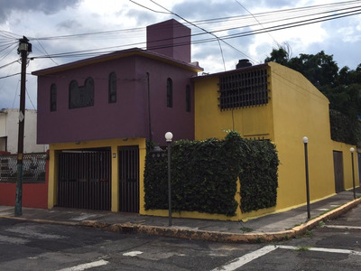 Hermosa Casa Esquina 3 Recámaras 2.5 Baños Jardín 2 Cocheras
