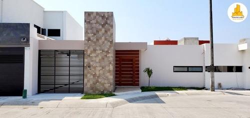 Se Vende Casa De 1 Piso En Residencial Palmas, Veracruz