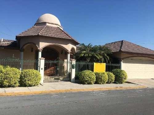 Casa Sola En Renta En Del Valle, San Pedro Garza García, Nuevo León