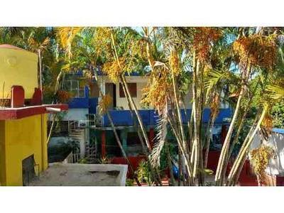 Renta 5 Oficinas Céntricas Tuxpan Veracruz Con Sala Y Cocineta, Se Encuentran Ubicadas En La Calle Lazaro Cardenas 27 De La Colonia Miguel Aleman, En Un Segundo Piso Son 5 Oficinas Cuentan Con Sala Y