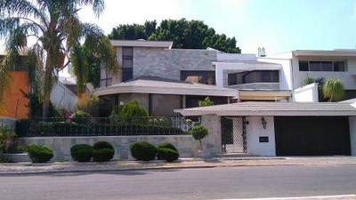 Hermosa Residencia En Club Campestre, Campo De Golf, T.1000 M2, Luxury Y Premium