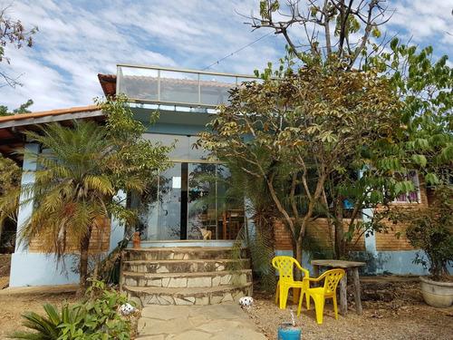 Imagem 1 de 14 de Casas Com 4 Quartos, 2 Casas Particular, 1 Comercial.