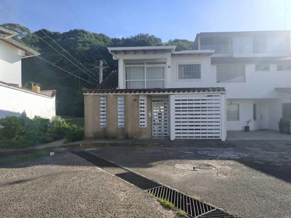 Casa En La Urb Villa Del Educador. Av 19 De Abril