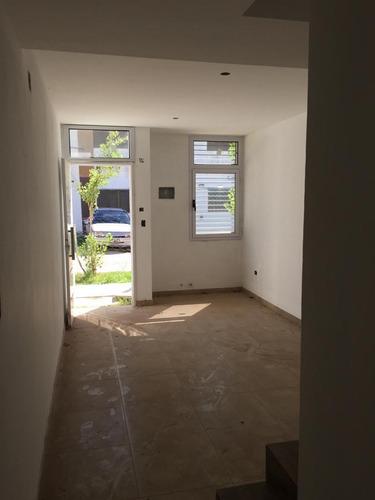 Duplex En Venta En Los Hornos