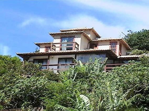 Conjunto De Casas Em Búzios Para Renda Com Locação.
