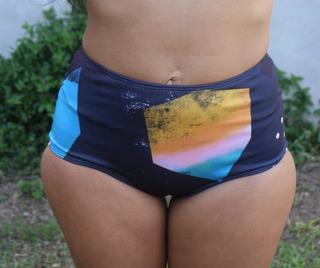 Bombacha Malla Bikini Tiro Alto Estampada