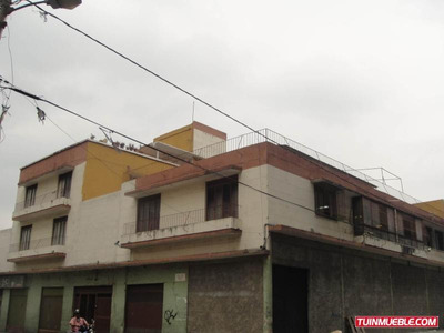 Edificios En Venta Urb. San Agustin. 19-6432