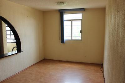 Amplio Departamento Con 3 Habitaciones Con Clóset Cada Una