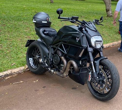 Imagem 1 de 5 de Ducati Diavel
