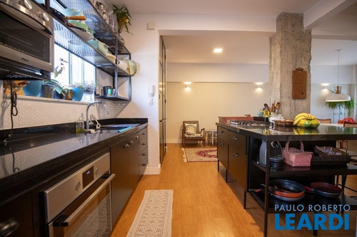Imagem 1 de 11 de Apartamento - Liberdade - Sp - 644681