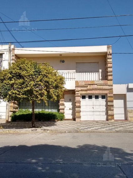 Casa En Venta- Alta Cba-apto Crédito! . 3 Dorm. / Patio/ Garage/ Terraza