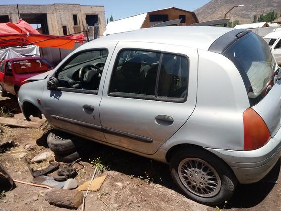 Renault Clio 2001 -2003 En Desarme