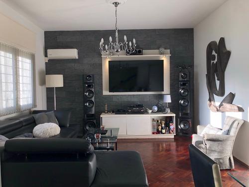 Casa, Parque Batlle, 3 Dormitorios, 2 Baños, Fondo Y Garaje.