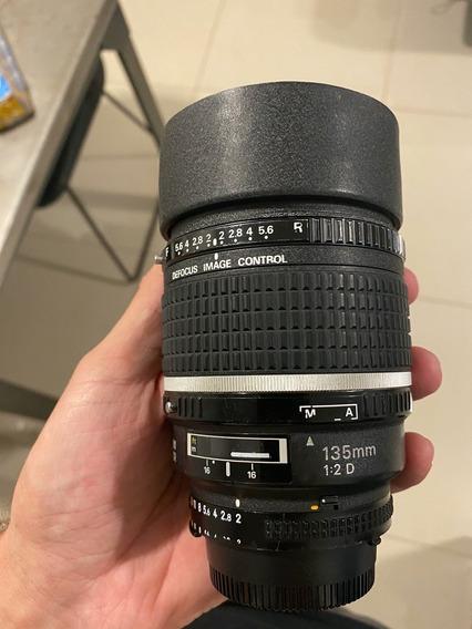 Lenta Nikon 135mm F2 Dc