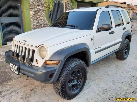 Jeep Cherokee Sport - Sincronica
