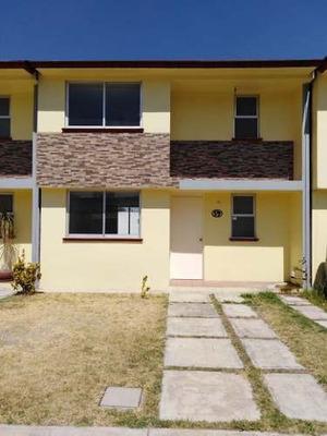 Venta De Casa Nueva Dentro De Fraccionamiento En Tlaxomulco, Toluca