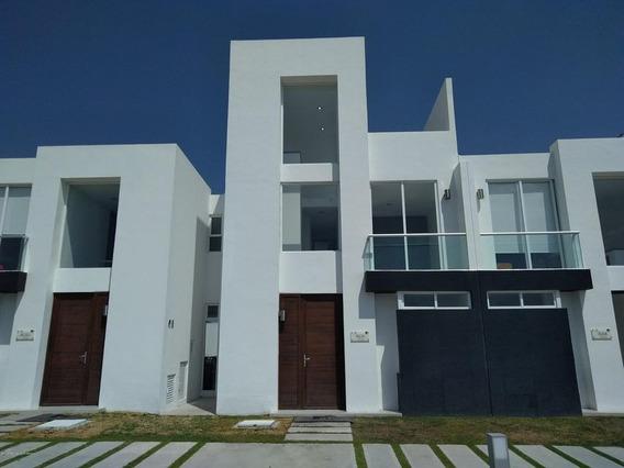 Casa En Venta En Zakia, El Marques, Rah-mx-21-835