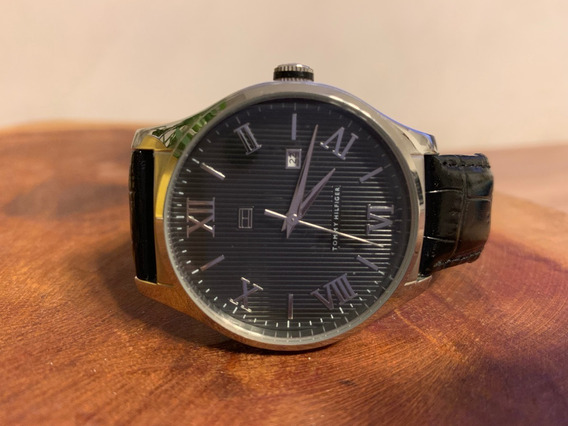 Relógio Th Pulseira Em Couro Preta, Caixa Cinza Escuro